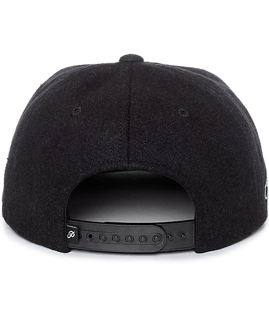 Primitive Dirty P Chain Stitch gorra snapback en negro