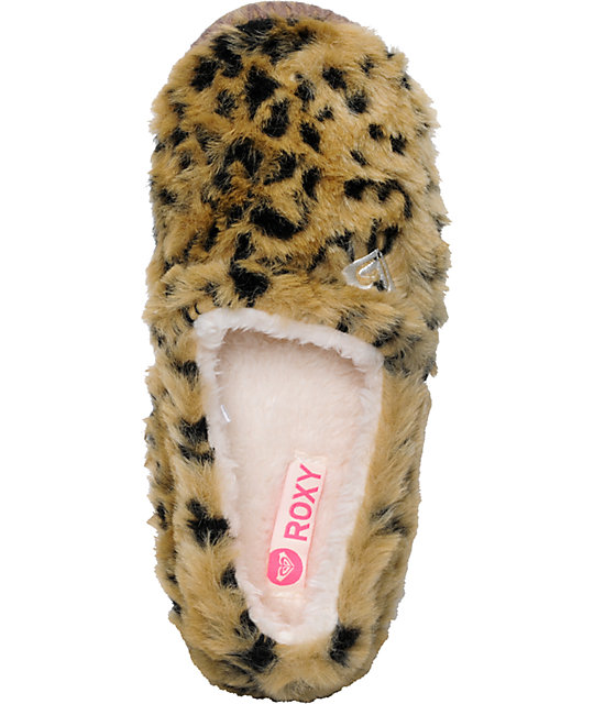 adc2a221f7d ... Roxy Snowbird Leopard Slippers ...