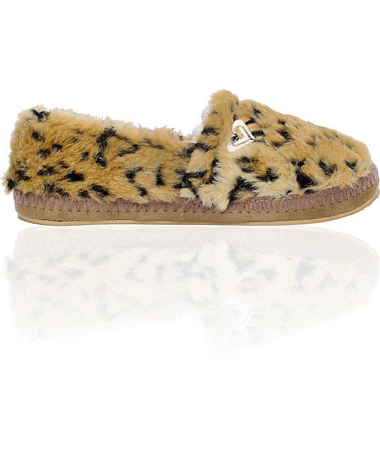 adf91242906 Roxy Snowbird Leopard Slippers