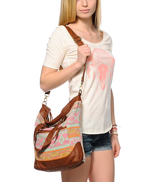 T-Shirt & Jeans Blanket Tribal & Faux Leather Tote Bag