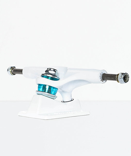 Thunder Ishod Drift 147 Hollow Lights eje de skate en blanco