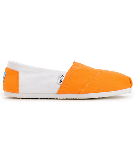 Toms Campus Classics Tennessee Womens Slip On Shoes