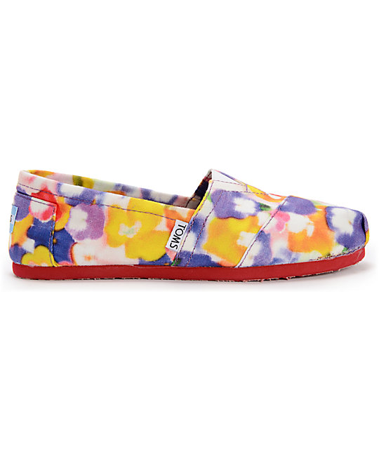 Toms Classics Yellow Pansies Womens Slip On Shoes
