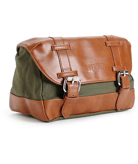 f792176ab6bc9 Uppercut Deluxe Wash Bag  Uppercut Deluxe Wash Bag ...