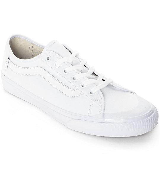 zapatos blancos vans