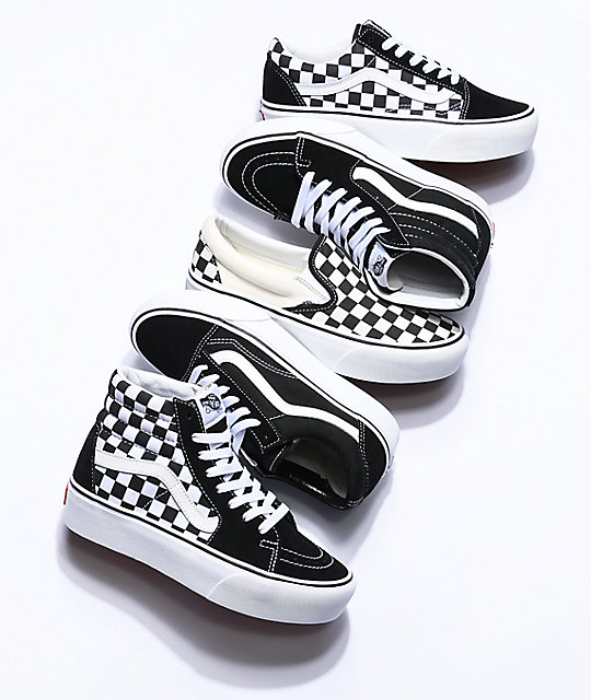 423f46b9894373 ... Vans Old Skool Black   White Checkered Platform Shoes