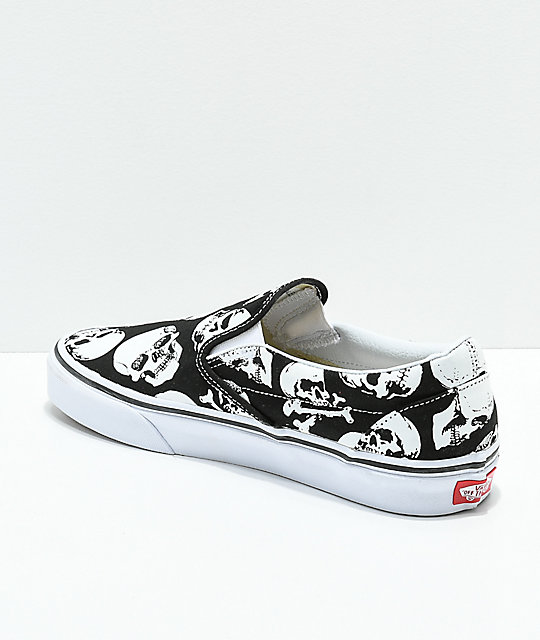 ... Vans Slip-On Skulls Black   White Skate Shoes ... efcfdd939