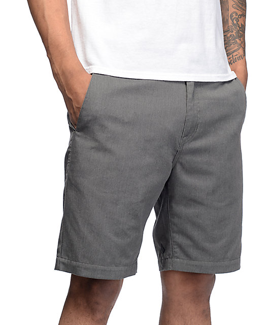 Volcom Frickin Drifter shorts chinos en color carbón