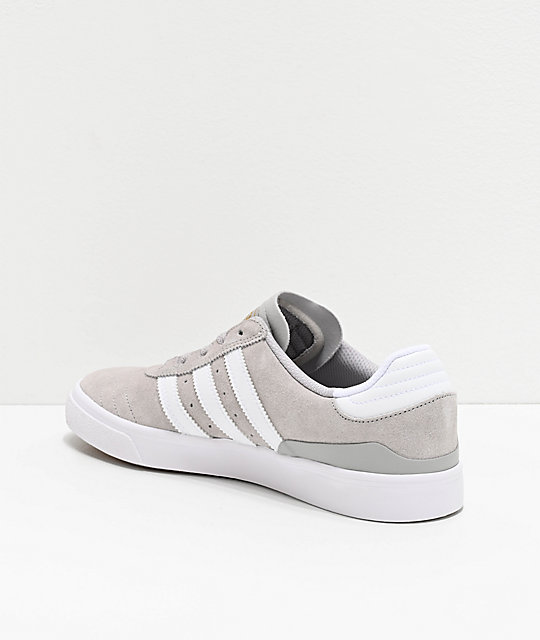 zapatos adidas color gris dorado