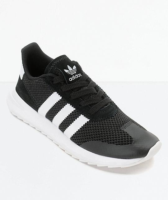 Chaussures Adidas Femmes En Noir Et Blanc réduction populaire Bafvm