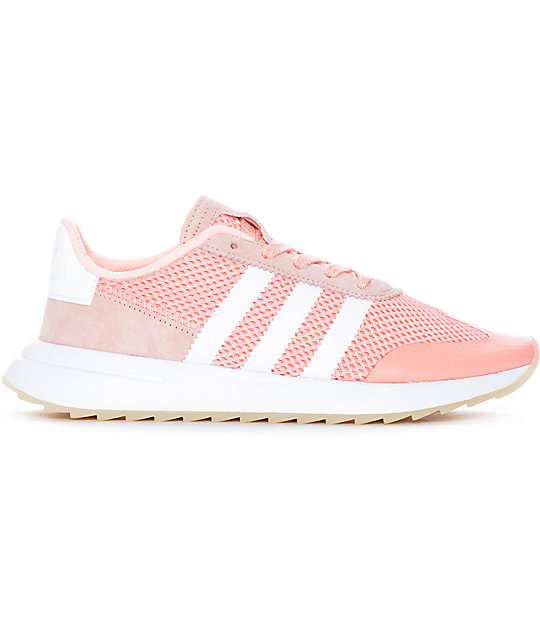 hot sale online 35e87 853ce ... adidas Flashback Haze zapatos en blanco y color coral