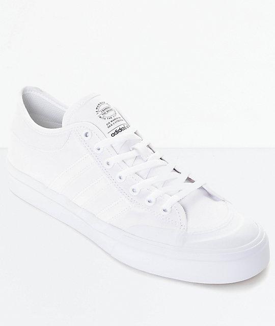 2067279114e adidas Matchcourt zapatos de skate todos blancos ...