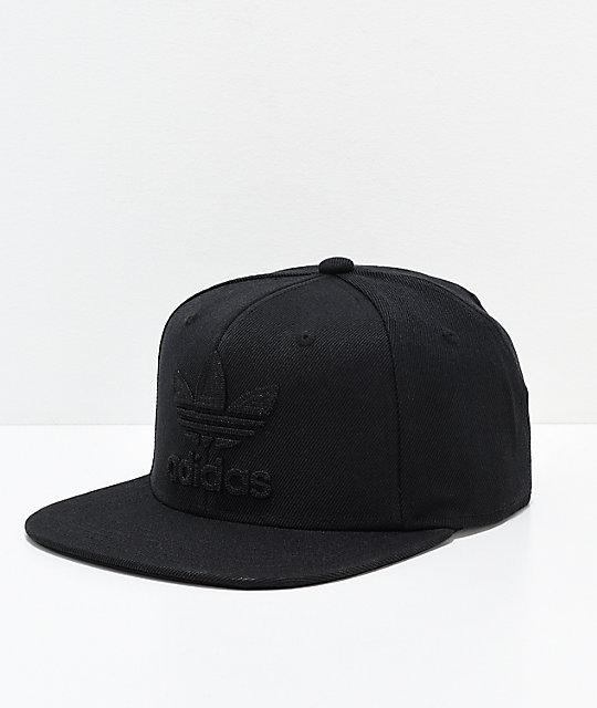 adidas Originals Trefoil Chain gorra negra ... 54e826a587c