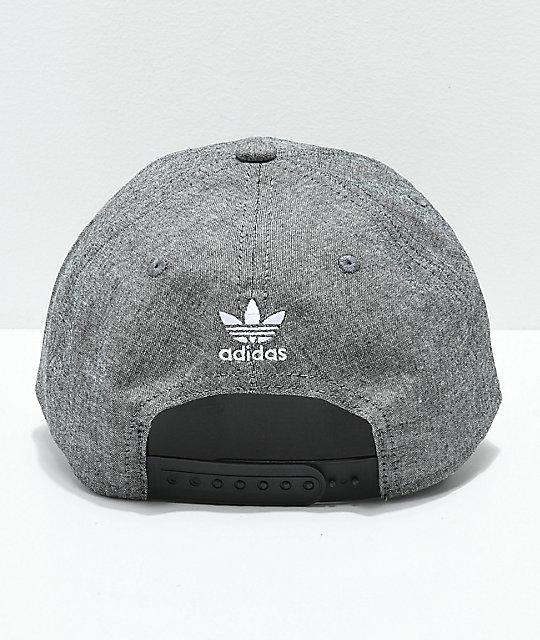... adidas Originals gorra gris y negra 306e0ac4812