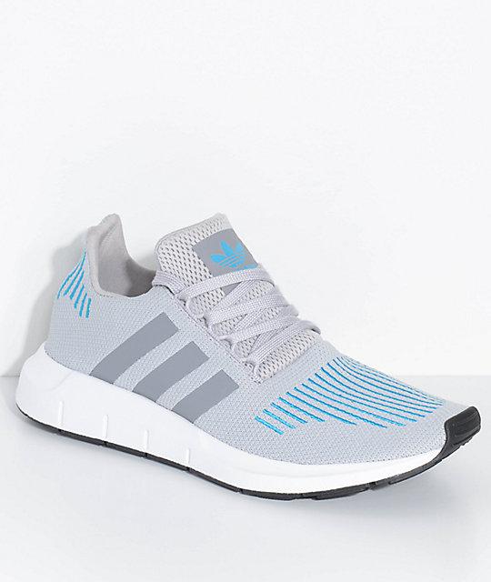 adidas OriginalsSWIFT RUN - Trainers - turquoise/white/ blue
