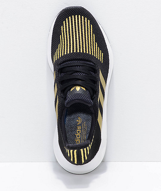 adidas Swift Run zapatos en negro y color dorado