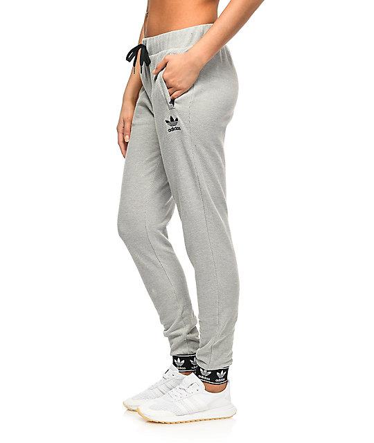adidas gris pantalones Trefoil pantalones jogger en gris 11478 | f24ba62 - grind.website
