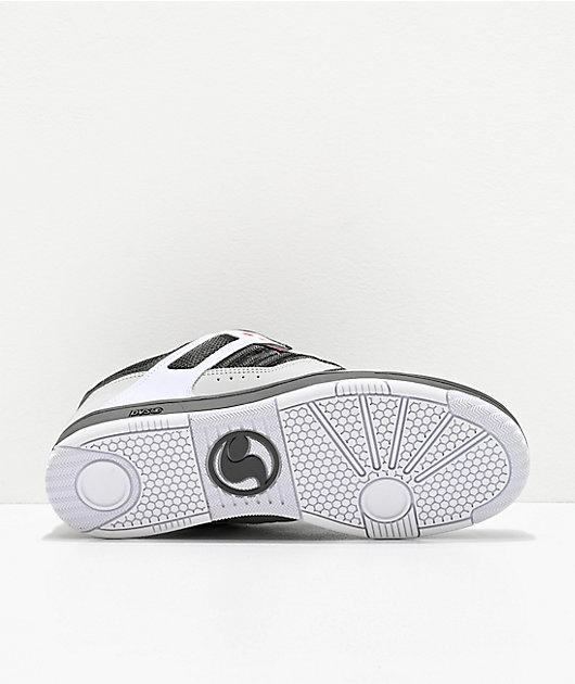 DVS Enduro 125 zapatos de skate de color carbón, blanco y rojo