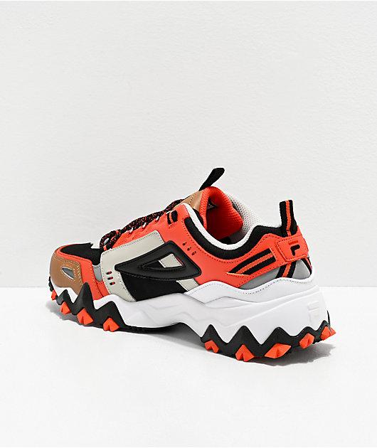 FILA Oakmont Trail zapatos negros, rojos, plateados y blancos