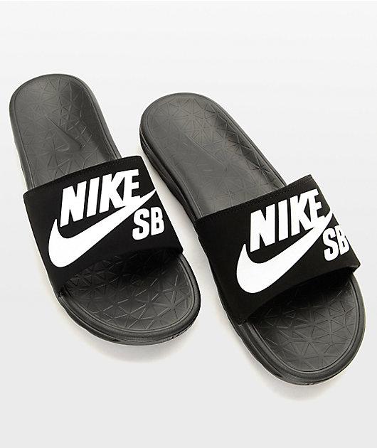 Sur oeste estar impresionado boxeo  Nike SB Benassi SolarSoft sandalias deslizantes blanco y negro | Zumiez
