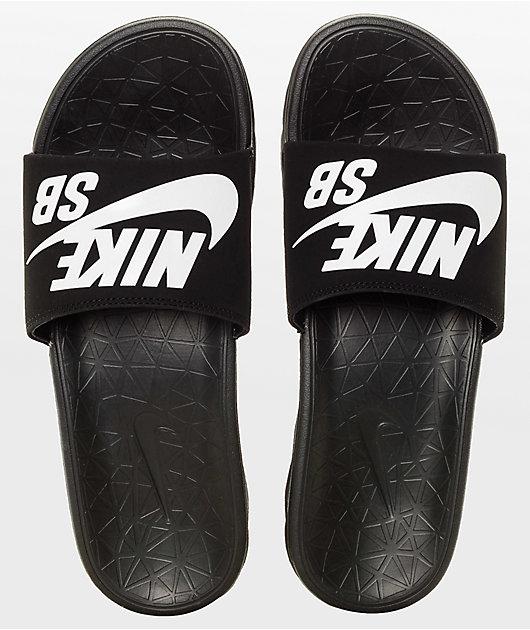 Sur oeste estar impresionado boxeo  Nike SB Benassi SolarSoft sandalias deslizantes blanco y negro   Zumiez
