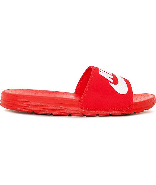 Brisa hélice reunirse  Nike SB Benassi SolarSoft sandalias deslizantes rojo y blanco | Zumiez