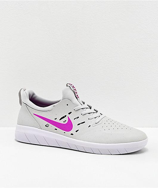 Nike SB Nyjah Free Phantom zapatos de skate en gris y morado