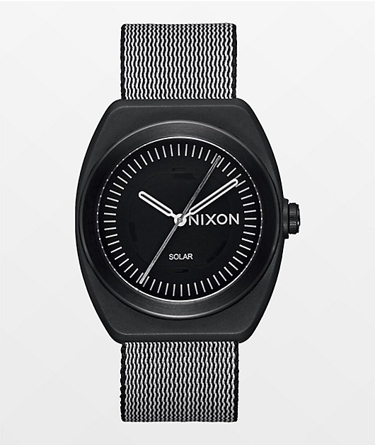 Nixon The Light-Wave All Black Analog Watch