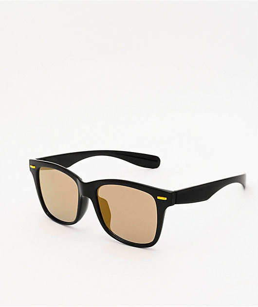 Oversized Black Mirrored Wayfarer Sunglasses