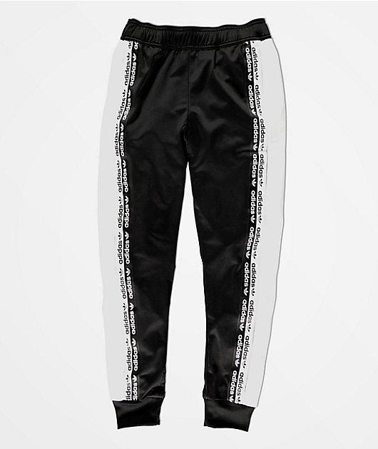 adidas Logo Tape pantalones de chándal negros y blancos para niños