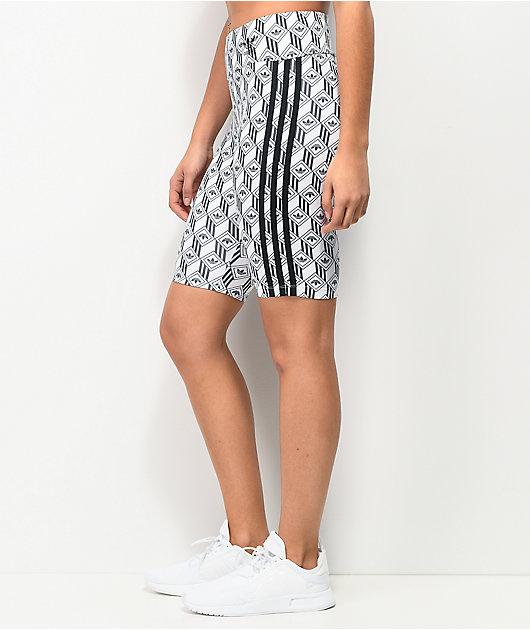 adidas shorts de bici con patrón negro y blanco